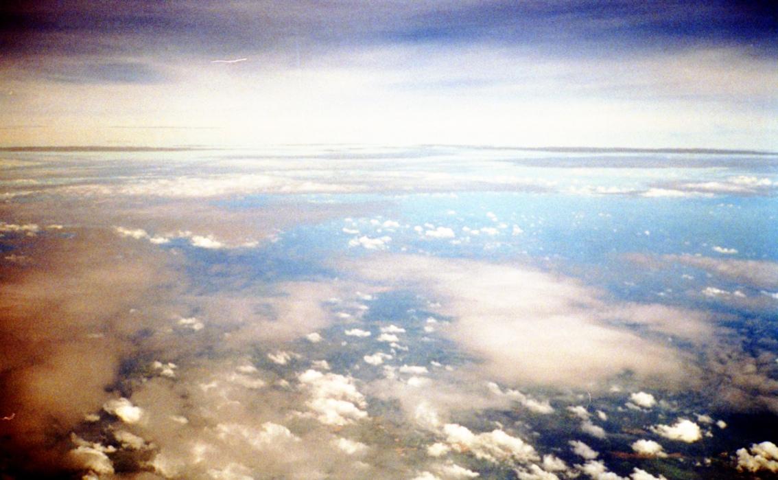 四月的天空